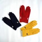 ワンポイントの動物の刺繍が可愛らしい♪ ウールの手袋☆