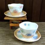 手書き風のデザインがカラフルで可愛らしい、美濃焼碗皿☆