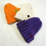 どんなスタイルにも合わせやすいリブ編みのニット帽☆