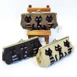 3匹の猫がキュートなサガラ刺繍がま口ポーチ★